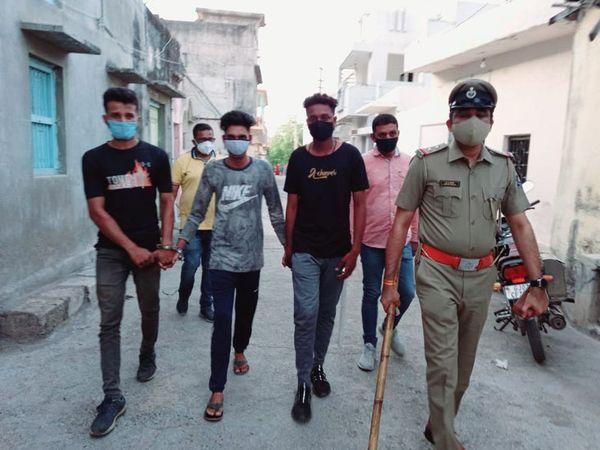 ગણતરીના દિવસોમાં પોલીસ આરોપીઓ સુધી પહોંચી ગઇ હતી અને ધરપકડ કરી - Divya Bhaskar