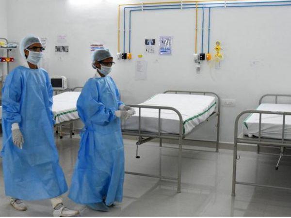 કોરોના દર્દીઓની ડિસ્ચાર્જની સંખ્યામાં વધારો થતા હોસ્પિટલમાં બેડની સંખ્યામાં ઘટાડો થઈ રહ્યો છે. (ફાઈલ તસવીર) - Divya Bhaskar