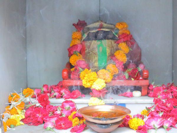 ભગવાન મામાદેવની પ્રતિમા - Divya Bhaskar