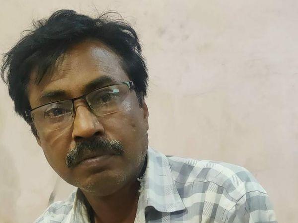 રાજ્યમાં બોગસ ડોકટર ઝડપાવાનો સિલસિલો યથાવત, હળવદના દિધડિયા ગામમાંથી એક ડિગ્રી વગરનો ડોકટર ઝડપાયો - Divya Bhaskar