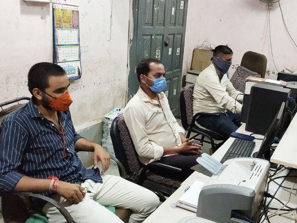 મૂળીમાં કનેક્ટિવિટી ખોરવાતા લોકો પરેશાની - Divya Bhaskar