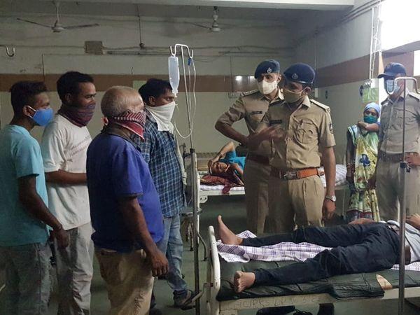 સેજાકુવા ધિંગાણામાં ઈજાગ્રસ્તોને સારવાર અર્થે વડોદરાની હોસ્પિટલમાં ખસેડવામાં આવ્યા હતા. - Divya Bhaskar