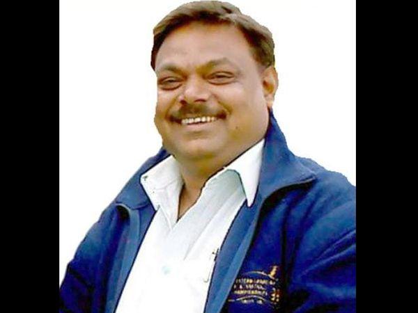 સુરેશભાઇ પાંડે, પ્રમુખ,નવસારી જિલ્લા હોટેલ એસોસિએશન - Divya Bhaskar