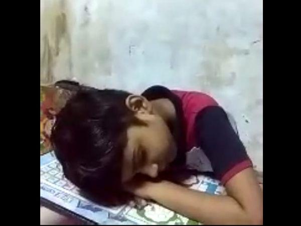 અડાજણની એક શાળાના ઓનલાઇન ક્લાસમાં વિદ્યાર્થી સુઇ ગયો હતો. શિક્ષકે વાલીને ફોન કરી તેને જગાડવો પડ્યો હતો.