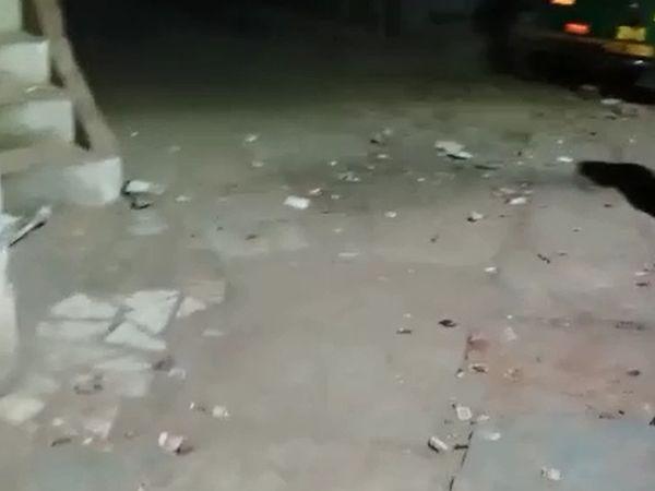 રોશનનગરમાં એક જ કોમના બે લોકો વચ્ચે રકઝક થતાં મામલો ઉગ્ર થઇ ગયો હતો