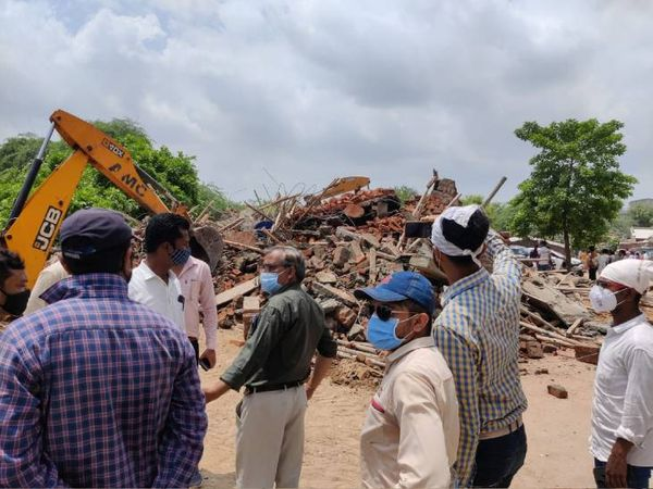 સારંગપુરમાં ચોથા માળ સુધીમાં 6778 ચો.ફૂ જગ્યામાં ગેરકાયદે બાંધકામ કરાયુ હતું