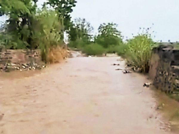 ગત વર્ષે વરસાદ સમયેની સ્થિતિ - Divya Bhaskar