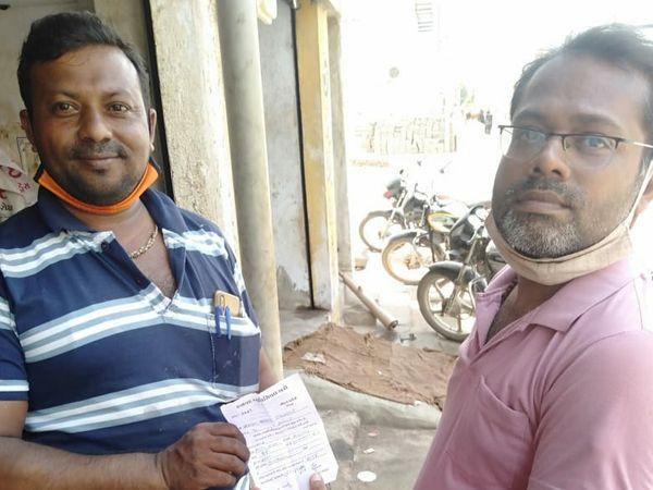 હળવદમાં પાલિકા દ્વારા ડોર ટુ ડોર વેરા વસુલાતની શરૂઆત કરાઇ - Divya Bhaskar