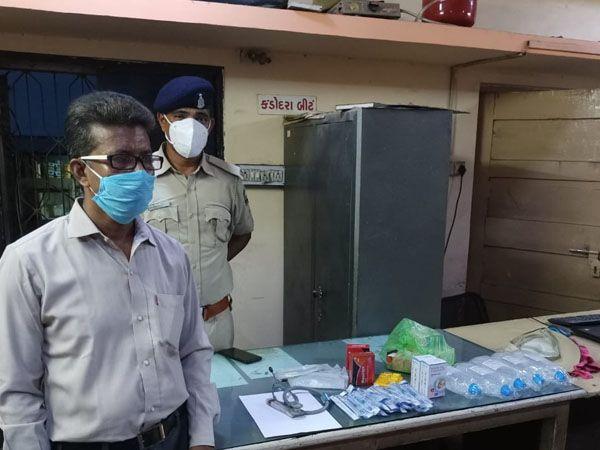 પકડાયેલો બોગસ બંગાળી ડોકટર - Divya Bhaskar