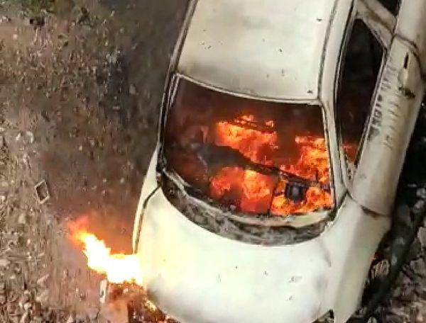 बाइक, बस, कार जो दिखा उसी में आग लगा दी।