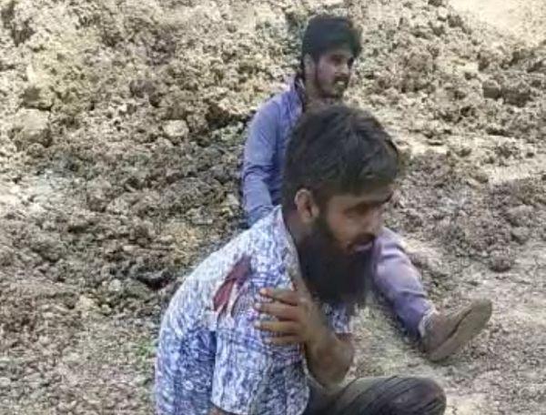 मिट्टी में दबने से घायल हुए मजदूर