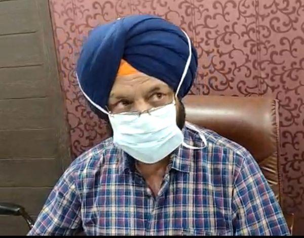 सिविल सर्जन डॉ. बलवंत सिंह