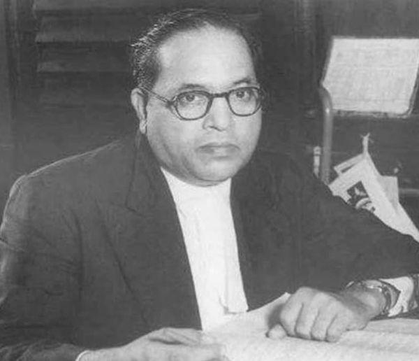 1990 में आज ही के दिन बाबा साहब भीमराव अंबेडकर को मरणोपरांत भारत रत्न सम्मान मिला था।
