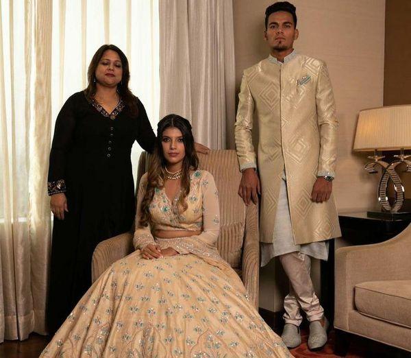 सगाई के दौरान राहुल और इशानी द्वारा पोस्ट की गई तस्वीर।