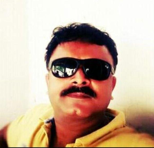 चौकी प्रभारी विनोद शंकर यादव।