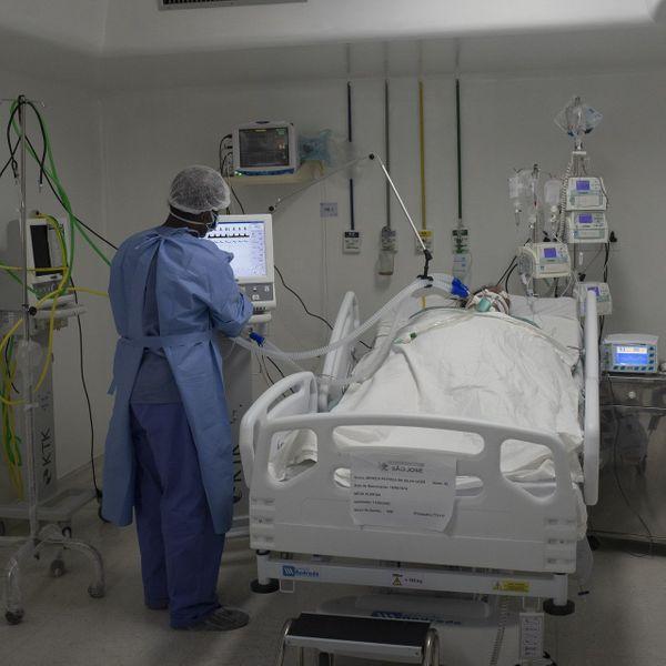 ICUમાં પ્રવેશવાના, બહાર નીકળવાના રસ્તા પહોળા, અડચણરહિત હોવા જોઈએ. નિયમિત ઈન્સ્પેક્શન થાય અને રિન્યુઅલ સર્ટિફિકેટ પણ મેળવવું ફરજિયાત હોય છે.