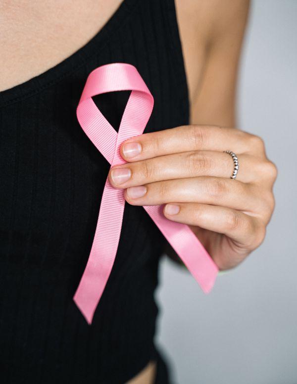 भारत में पिछले कुछ समय से ब्रेस्ट कैंसर को लेकर जागरुकता बढ़ी है