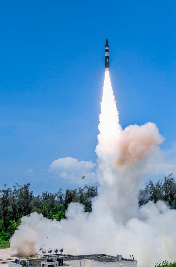 नई मिसाइल वजन में हलकी है और इसे मोबाइल लॉन्चर से भी फायर किया जा सकता है।