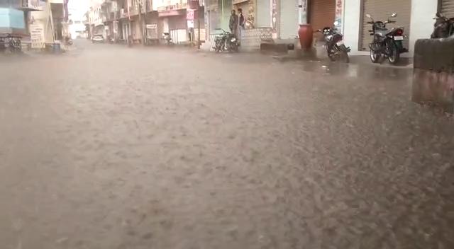કોટડાસાંગાણીમા સતત ત્રીજા દિવસે કમોસમી વરસાદ