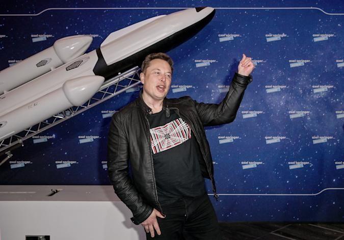 टेस्ला के सीईओ एलन मस्क ने 2002 में अपनी खुद की अंतरिक्ष कंपनी, स्पेसएक्स की स्थापना की