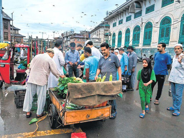 तस्वीर श्रीनगर की है। - Dainik Bhaskar