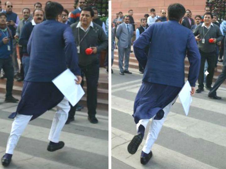 रेलमंत्री पीयूष गोयल की तस्वीरें सोशल मीडिया पर वायरल हो रहीं हैं। - Dainik Bhaskar