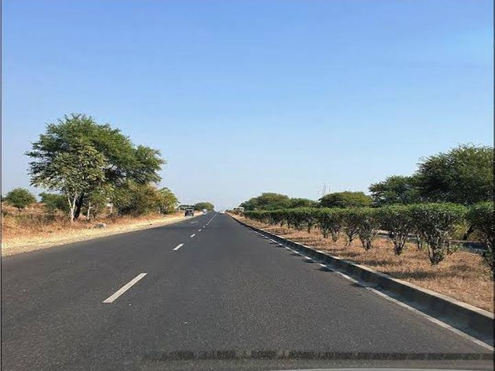 एशियाई विकास बैंक ने मप्र में सड़कों के विकास के लिए ऋण दे रही है। - फाइल फोटो - Dainik Bhaskar