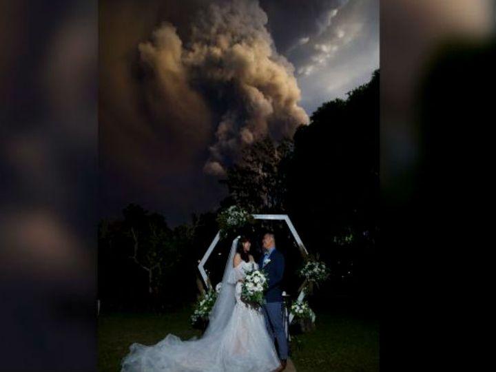 ताल दुनिया के सबसे छोटे ज्वालामुखियों में से एक है। हालांकि, यह फिलीपींस का दूसरा सबसे सक्रिय ज्वालामुखी है। यह 40 साल बाद फिर भड़का है। - Dainik Bhaskar