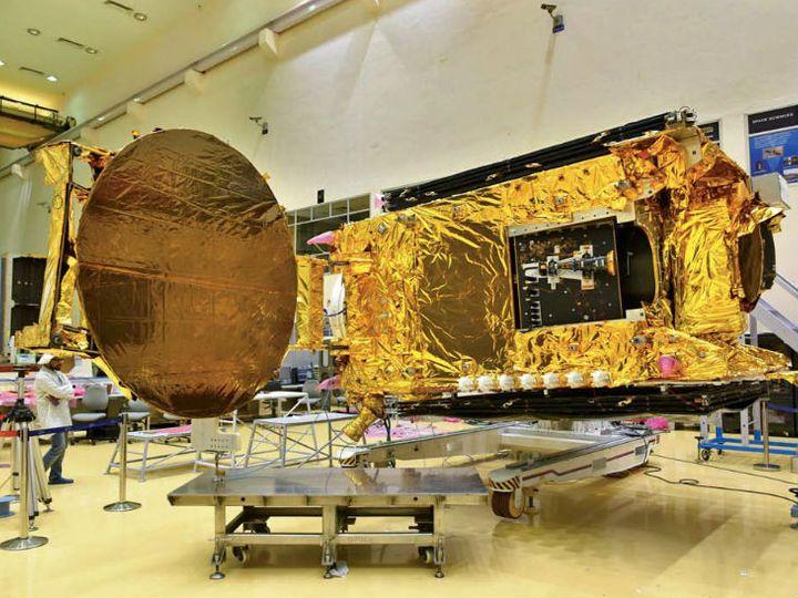 इसरो ने बुधवार को जीसैट-30 की तस्वीरें जारी कीं। - Dainik Bhaskar