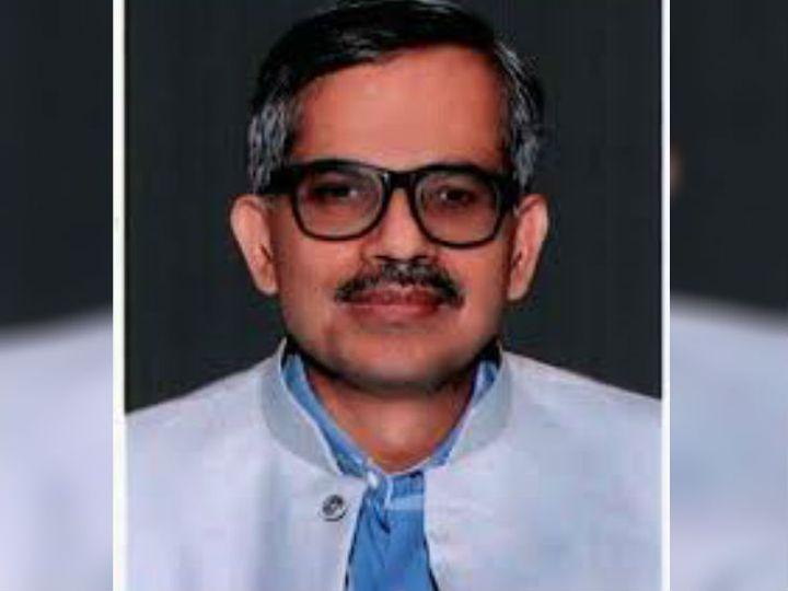 उप्र सरकार ने आर के तिवारी को बनाया मुख्य सचिव, अभी तक कार्यवाहक थे। फाइल फोटो - Dainik Bhaskar