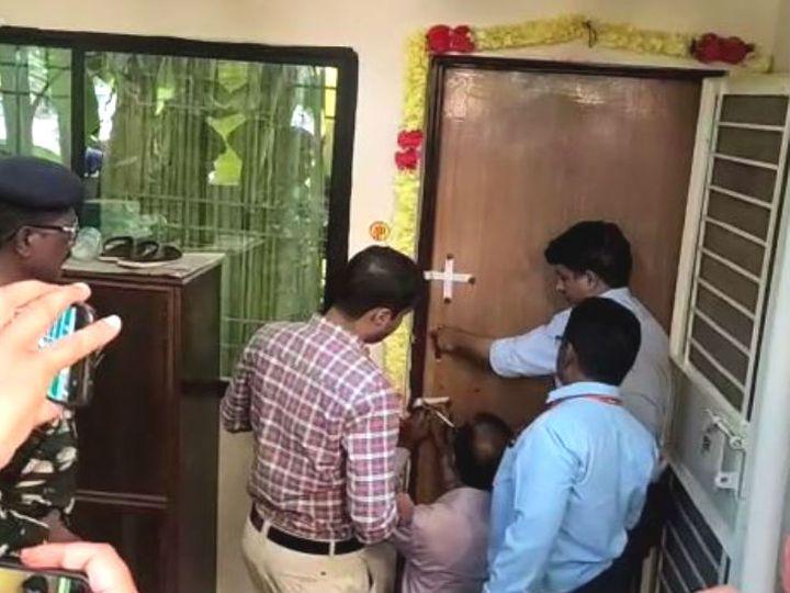 मुख्यमंत्री की उपसचिव सौम्या चौरसिया के बंगले को आयकर विभाग ने सील कर दिया। - Dainik Bhaskar