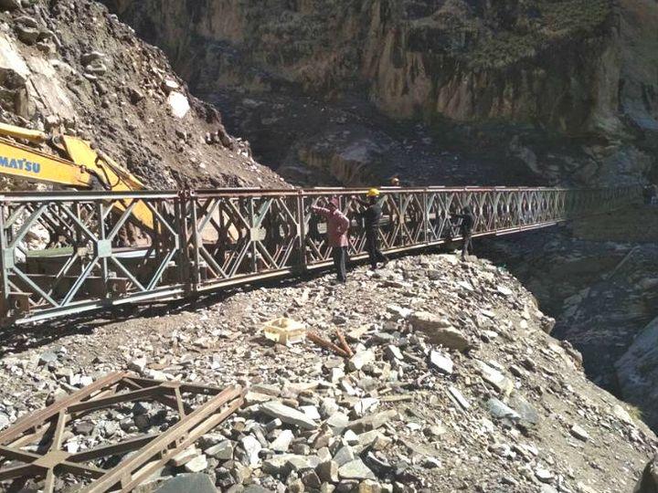 कैलाश मानसरोवर का नया रास्ता 80 किलोमीटर लंबा है। इसे बॉर्डर रोड ऑर्गनाइजेशन ने तैयार किया है। - Dainik Bhaskar