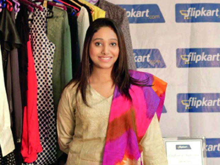 सौम्या कहती हैं कि कोरोना के कारण ड्रेस की बिक्री घटी तो उन्होंने मास्क का एक्सपोर्ट शुरू कर दिया है। - Dainik Bhaskar