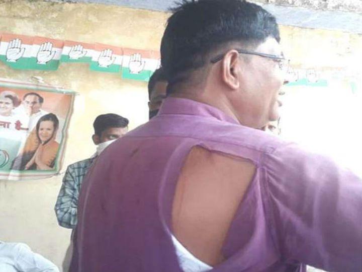 इटावा में कांग्रेस के दो गुटों के बीच जमकर लात- घूसे चले। इस दौरान बीच बचाव करने आए जिलाध्यक्ष का कुर्ता भी फट गया। - Dainik Bhaskar