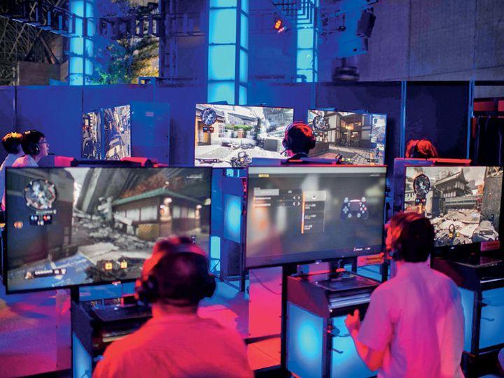 कगावा में अप्रैल में लागू एक कानून में प्रावधान किया गया है कि 20 साल से छाेटे युवा स्कूल के दिनों में एक घंटे और छुट्टी के दिनों में डेढ़ घंटे से ज्यादा वीडियो गेम या इंटरनेट इस्तेमाल नहीं कर सकते। - Dainik Bhaskar