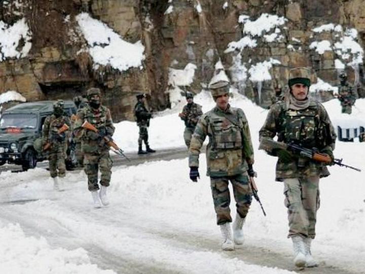 सोमवार देर रात भारत और चीन के सेना के बीच गालवन वैली में हिंसक झड़प हुई। इसमें भारत के 20 जवान शहीद हुए, चीन के 43 सैनिकों की भी जान गई। -फाइल फोटो - Dainik Bhaskar