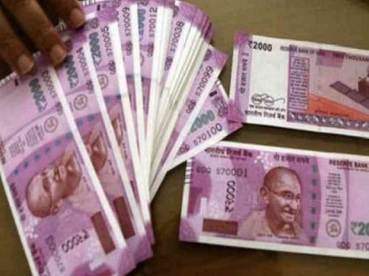 इंदौर में किराए के कमरे में रहकर आरोपी नोटों की छपाई करते थे। - Dainik Bhaskar