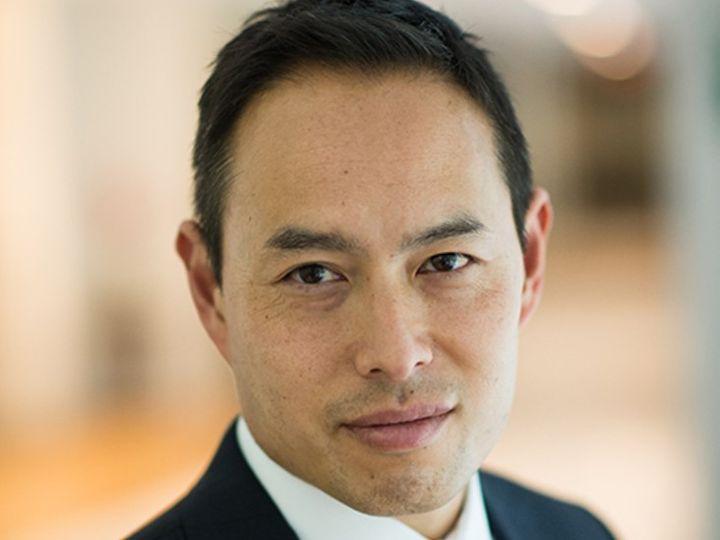 प्रो. ली सिडनी यूनिवर्सिटी औरअमेरिका के हडसन इंस्टीट्यूट में चीन की पॉलिटिकल इकॉनोमी व इंडो पैसिफिक रीजन के विशेषज्ञ हैं। - Dainik Bhaskar