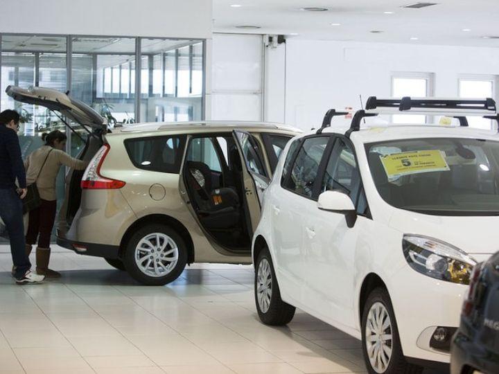 जेफेरीज ने एक रिपोर्ट में कहा कि कोविड-19 संकट के बीच वाहनों की बिक्री में भारी गिरावट के कारण 2020-21 की पहली तिमाही घरेलू वाहन कंपनियों के लिए सबसे बुरी तिमाहियों में से एक रह सकती है - Money Bhaskar