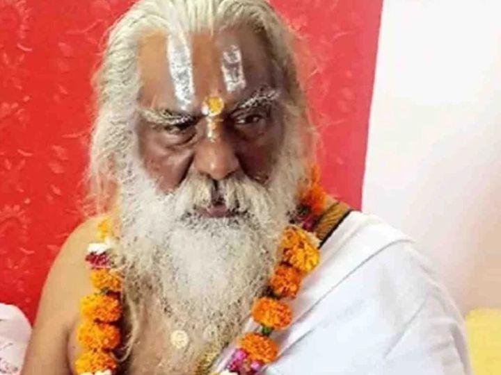 महंत नृत्य गोपाल दास पर कई मंदिरों पर कब्जा करने का आरोप लग रहा है। (फाइल फोटो) - Dainik Bhaskar