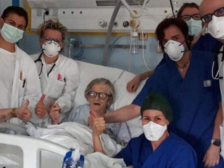 दुनिया में संक्रमण 10.5% और माैतें 5.6% की दर से बढ़ रहीं, लेकिन मरीज ठीक हाेने की रफ्तार 13% है। (फाइल फोटो) - Dainik Bhaskar