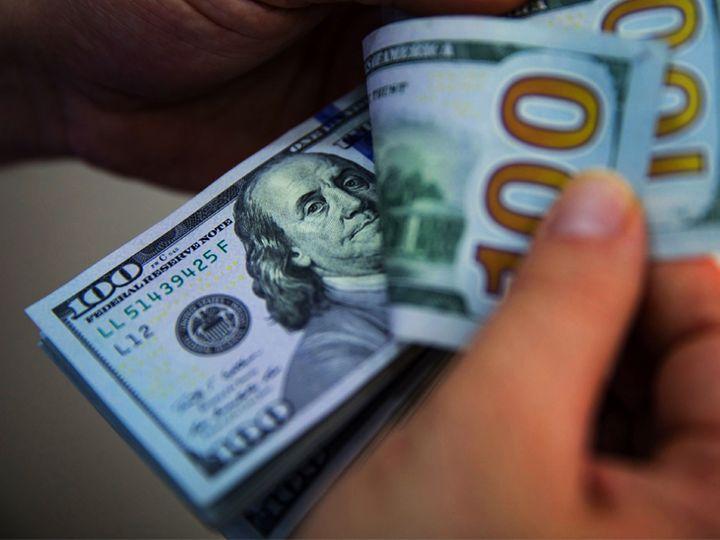 """गोल्डमैन रणनीतिकारों ने आगाह किया कि अमेरिकी पॉलिसी """"डिबेजमेंट फेयर"""" को ट्रिगर कर रही है, जो ग्लोबल फॉरेन एक्सचेंज मार्केट्स में डॉलर के शासन को खत्म कर सकता है - Money Bhaskar"""