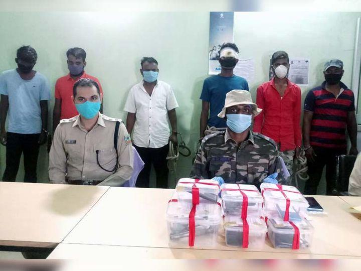 आरोपियों के बारे में जानकारी देते एसएसपी एम तमिल वाणन। - Dainik Bhaskar