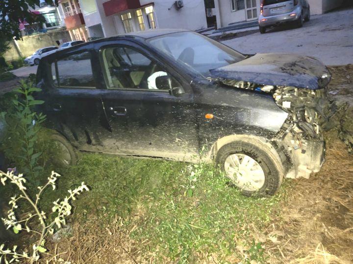 करनाल | इंद्री थाना में खड़ी बदमाशों की क्षति ग्रस्त कार। - Dainik Bhaskar