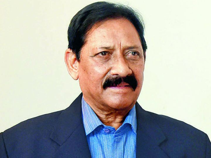 73-year-old Chetan Chauhan was kept on a ventilator at Medanta Hospital since last night.