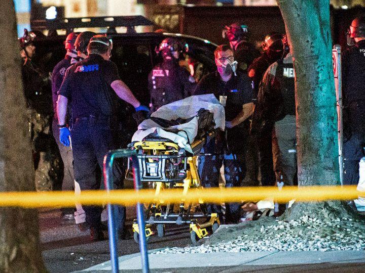 Latest News Ameria; One killed in shooting during protests in Portland | पोर्टलैंड में प्रदर्शनकारी और ट्रम्प समर्थक आमने-सामने आए, गोली लगने से एक की मौत; दो और राज्यों में 10 को गोली मारी