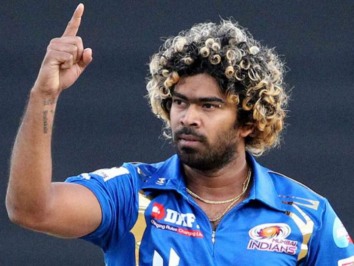 Mumbai Indians fast bowler Lasith Malinga, the highest wicket-taker in the IPL, has pulled out of the 2020 season in the UAE owing to personal reasons | आईपीएल में सबसे ज्यादा विकेट लेने वाले मलिंगा लीग से हटे, लीग का एक भी मैच नहीं खेलने वाले ऑस्ट्रेलियाई गेंदबाज पैटिंसन होंगे रिप्लेसमेंट