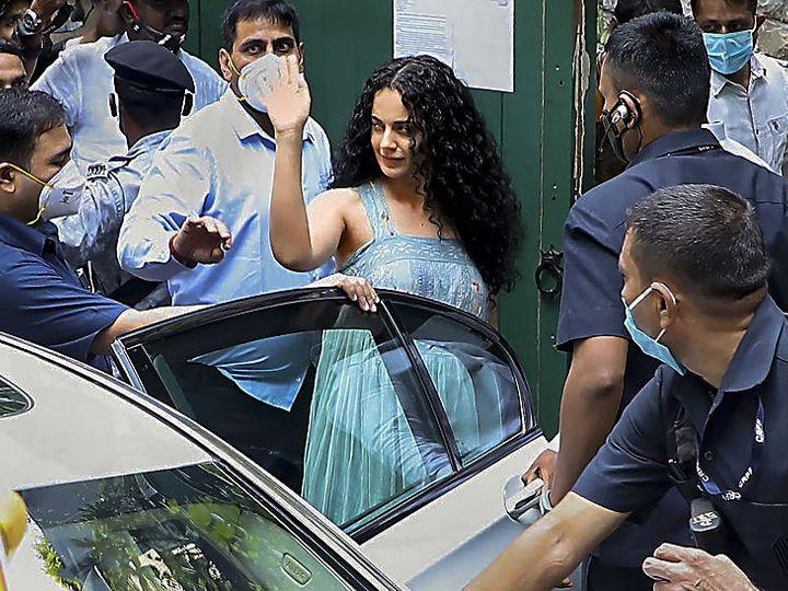 बीएमसी ने बुधवार को अभिनेत्री कंगना रनोट के पाली हिल राेड स्थित ऑफिस के एक हिस्से को गिरा दिया था। गुरुवार को कंगना अपना दफ्तर देखने पहुंचीं। - Dainik Bhaskar