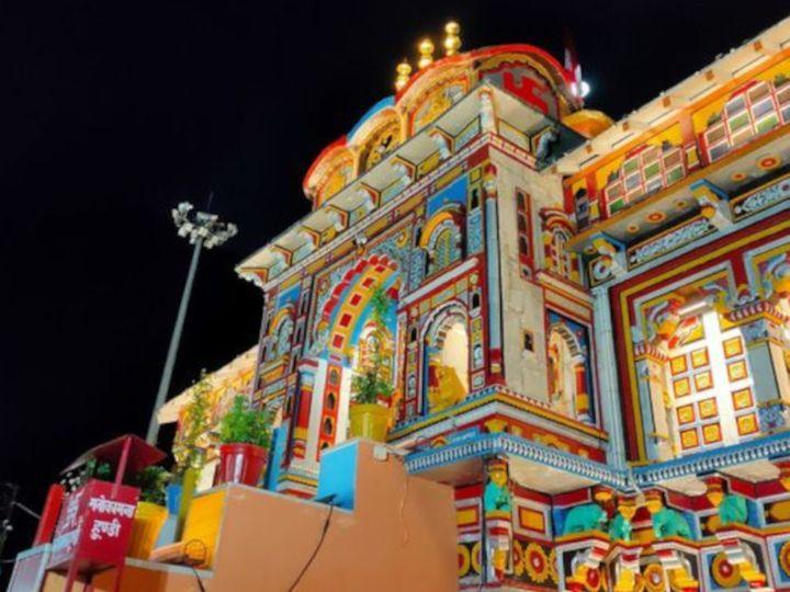 सरकार की योजना बद्रीनाथ क्षेत्र को मिनी स्मार्ट सिटी की तरह डेवलप करने की है। ये प्रोजेक्ट सफल रहा तो देश के अन्य मंदिरों को भी इसी तर्ज पर विकसित किया जाएगा। - Dainik Bhaskar