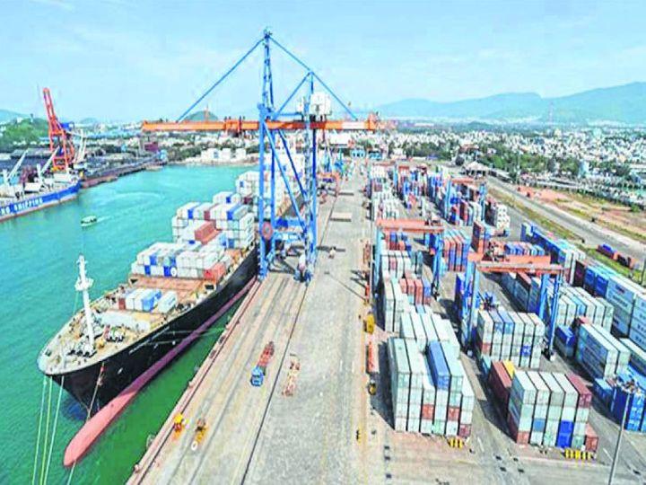 मोर्मुगाव को छोड़कर केंद्र सरकार के बाकी सभी 11 बंदरगाहों के कार्गो हैंडलिंग में अगस्त में गिरावट आई है - Dainik Bhaskar